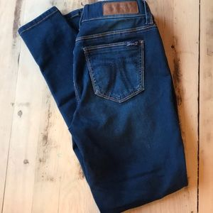 NWOT Seven7 Dark Wash Jegging